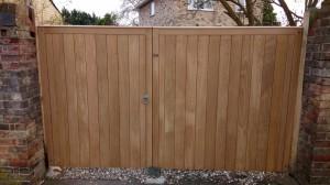 Oak drivway gates 2